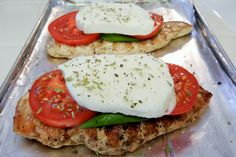 Shelly's Caprese Chicken Recipe ~•grilled Chicken breasts (pounded, swipe of Olive Oil, Salt & Pepper) •Place a leaf of fresh Basil, a couple of sliced Tomatoes and a slice of fresh Mozzarella on the Grilled Chicken Breast •Broil till cheese is gooey and melty. •Top with sprinkled Basil, Oregano, Salt 7 Pepprt ~Serve with grilled Zucchini. Healthy Low Carb Dinners, Low Carb Diet, Low Carb Recipes, Healthy Eating, Cooking Recipes, Healthy Recipes, Healthy Nutrition, Dinner Healthy, Healthy Food