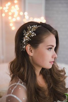Bridal Hair Vine, Bridal Hair Comb, Gold Hair Vine, Wedding Hair Vine, Bridal He… - Haarschmuck Wedding Hairstyles With Crown, Simple Bride Hairstyles, Vintage Wedding Hairstyles, Hair Styles With Crown, Hair Down Prom Styles, Bridal Hairstyles Down, Grecian Hairstyles, Wave Hairstyles, Evening Hairstyles
