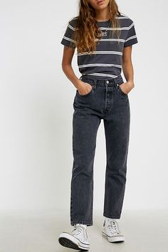 Shop Levi's 501 Washed Black Denim Crop Jeans at Urban Outfitters today. We carry all the latest styles, colours and brands for you to choose from right here. Black Mom Jeans Outfit, Black Levi Jeans, Levi Mom Jeans, Outfit Jeans, Black Denim, Black Ripped Mom Jeans, Levis 501 Black, Mom Jeans Style, Skinny Jeans