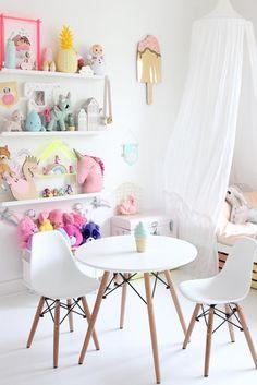 Inspiration from Instagram - @kidsdesignlife - pastel girls room ideas, pink and white girls room design, kidsroom decor, girls kidsroom, nursery