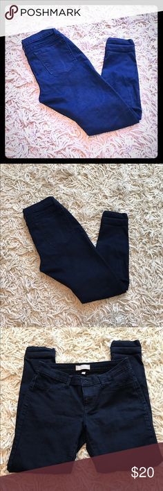 """Banana Republic Dark Wash Skinnies. Banana Republic Dark Wash Skinnies. Lightened 1st pic so able to see details. 5 pocket Skinny Jeans Size 29/8 with 28"""" inseam. I usually wore cuffed (can see in picture at bottom of legs). No flaws or signs of wear. In EUC! Banana Republic Jeans Skinny"""