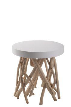 Cumi+Sidebord+-+Hvidt+sidebord+i+mangotræ+med+en+rå+finish.+Bordpladen+har+en+blank+harpiks+overflade+og+er+hvidlakeret.+Mål:+45+x+45+cm+(Ø+x+H).+Stilligt+bord+til+det+moderne+hjem.+:+ZU00122