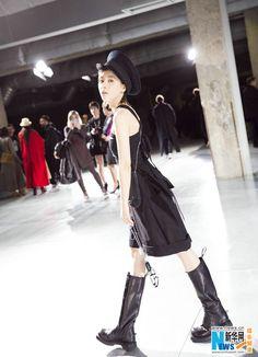 Wang Ziwen in Paris for fashion week | China Entertainment News