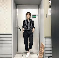 Twitter Jaehyun Nct, Korean Fashion, Mens Fashion, Park Ji Sung, Jung Yoon, Valentines For Boys, Jung Jaehyun, Boyfriend Material, Nct Dream