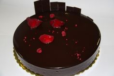 CHOCOLATE ROSE CAKE - Chocolate rose sabayon, flourless chocholate biscuit, chocolate grue crunch, raspberry gel, chcoloate balsamic cremeaux, chocolate mirror glaze. Yum Adrian Zumbo <3