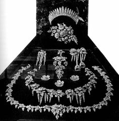 Parure feuilles de groseiller. A selection of the French Crown Jewels, including the elaborate Feuilles de Groseillier parure.