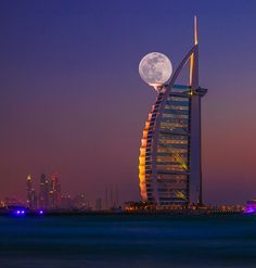 Funny pictures about Super Moon Captured At The Right Time In Dubai. Oh, and cool pics about Super Moon Captured At The Right Time In Dubai. Also, Super Moon Captured At The Right Time In Dubai photos. Beautiful Moon, Beautiful World, Beautiful Places, Simply Beautiful, Absolutely Stunning, Stars Night, Jardin Des Tuileries, Perfectly Timed Photos, Shoot The Moon