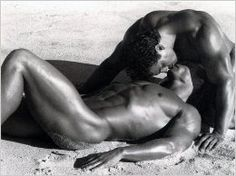 Beautiful Men and Their Muscles : Photo Hot Men, Hot Guys, Sexy Men, Daniel Craig, Sex And Love, Man In Love, Beckham, Lovers Kiss, Pose