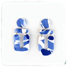 #clayearrings #earringstyle #earringlover #earrings #fashionearrings #σκουλαρίκια #χειροποίητα #etsyshop Clay Earrings, Flip Flops, Sandals, Shoes, Fashion, Slide Sandals, Moda, Shoes Sandals, Zapatos