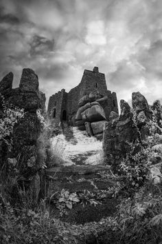 Castle Illustration, Dark Castle, Scottish Castles, Castle Ruins, Abandoned Castles, White Image, Photography Website, Lovers Art, Monument Valley