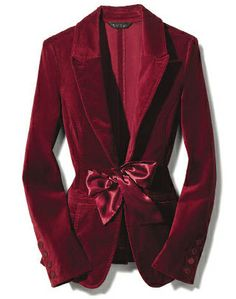 Deep reds, or purple or even green. Velvet suit with yellow silk coming out on neck Fancy long sleeves. Semi fitted for movement and comfort Fashion Show, Fashion Outfits, Womens Fashion, Velvet Fashion, Western Outfits, Ethnic Fashion, Passion For Fashion, What To Wear, Ideias Fashion