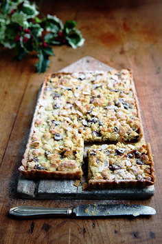 A German streusel recipe that makes a great alternative at Christmas to traditional mince pies.
