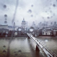 The #London skyline caught in light afternoon rain 11°C I 52°F #BurberryWeather