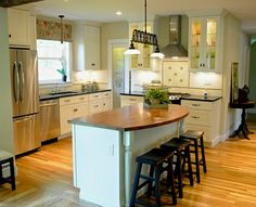 8 Simple and Crazy Tips Can Change Your Life: Farmhouse Kitchen Remodel Baskets kitchen remodel cost ikea.U Shaped Kitchen Remodel Pantries. Rustic Kitchen, New Kitchen, Kitchen Decor, Kitchen Ideas, Kitchen Island, Kitchen Designs, Kitchen Sink, 1970s Kitchen, Island Bar