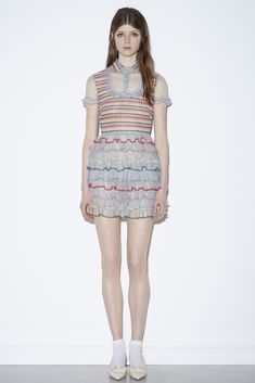 See the complete Red Valentino Resort 2016 collection.