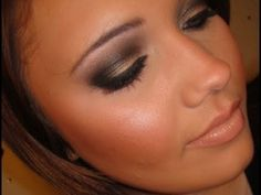 Kim Kardashian Makeup Tutorial- If there's anyone's makeup that I absolutely love for the everyday sultry look, its Kim's!