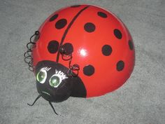 bowling ball ladybugs | Bowling Ball Lady Bug - Garden Art - Photo Gallery - Cafe Garden