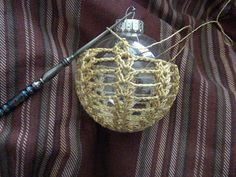 Crochet Christmas Ornament Lacy Crocheted Christmas Ornament This is an idea that can be adjusted to any shape ornament. ༺✿ƬⱤღ✿༻