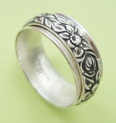 Chyrsanthemum Spinner Ring from Sudlow Jewelry