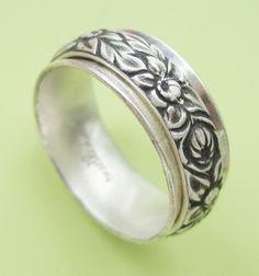 Chyrsanthemum Spinner Ring from Sudlow Jewelry
