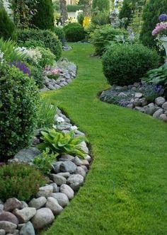 38 Amazing Rock Garden Ideas Try for All Season - DIY Garten Landschaftsbau Landscaping With Rocks, Front Yard Landscaping, Mulch Landscaping, Landscaping Software, Corner Landscaping Ideas, Landscaping Borders, Natural Landscaping, Amazing Gardens, Beautiful Gardens