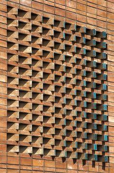 Gallery of Ozgol Apartment / Hooba Design Group - 16 Brick House Designs, Brick Design, Facade Design, Building Facade, Building Design, Brick Wall Decor, Brick Cladding, Brick Works, Brick Detail