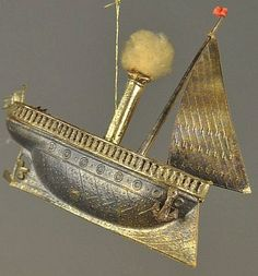 SILVER DRESDEN STEAMBOAT ORNAMENT.