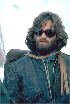 Kurt Russell - R. MacReady - The Thing - Pop Culture's Best Fall and Winter Fashion - Esquire Sci Fi Horror, Horror Films, Sci Fi Movies, Movie Tv, Goldie Hawn Kurt Russell, The Thing 1982, Film Science Fiction, Image Film, Costumes