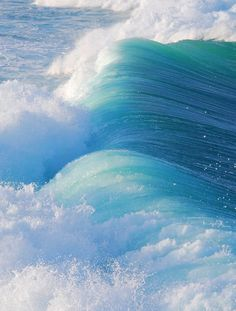 The strength & beauty of ocean waves... I love the color. maybe colors for a baby boy quilt. hmmmm.