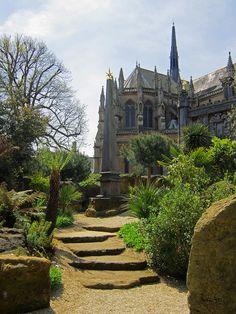 Arundel Cathedral from Castle Gardens Sussex Gardens, Places To Travel, Places To Visit, Arundel Castle, British Royal Families, Scottish Castles, Medieval Castle, Outdoor Landscaping, Garden Styles