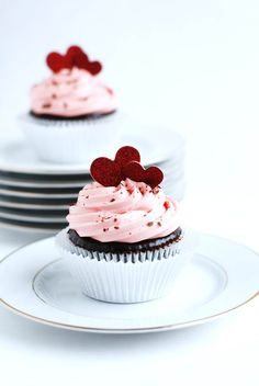 Why do cupcakes captivates us? Is it the perfect ratio of cake to frosting or perhaps the endless variety of flavors that satisfy a particular mood? Whatever the reason, they effortlessly make us h...