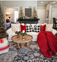Here are cozy Christmas decorations ideas. These are cozy & elegant Christmas home decors which you can DIY Easily and decorate your Christmas home. Christmas Living Rooms, Christmas Room, Plaid Christmas, How To Decorate For Christmas, Coffee Table Christmas Decor, Christmas Decorations For The Home Living Rooms, Decorating For Christmas, Plaid Living Room, Fall Living Room