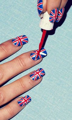 Try your hand at patriotic Union Jack #nails!
