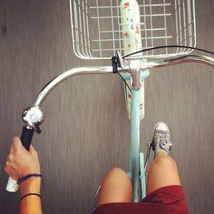 Selfie. Bicycles Love Girls. http://bicycleslovegirls.tumblr.com/