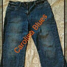 """Denim Capri's GUC. Super Stretchy and comfy! Waist 17"""" Length 33"""". 52%ramie 27%cotton 18%spandex 3%spandex. Carolina Blues Pants Capris"""