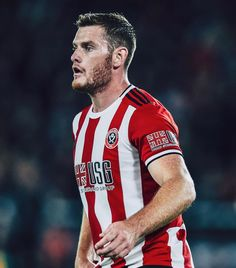Our back three Vs Arsenal 👏 Jack O'Connell 🧱 4 clearances 1 interception 6 x possession won Chris Basham 🚫 4 clearances Jack O'connell, Sheffield United, Arsenal, Naturally Curly, Curly Bob, The Unit, Curled Bob, Natural Curls, Arsenal F.c.