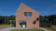 joris verhoeven architecture builds house riel estate in the netherlands