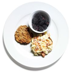 Egg and Lox on an English Muffin http://www.womenshealthmag.com/weight-loss/healthy-breakfast-recipes/slide/17