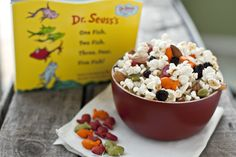Seuss' Birthday: One Fish Two Fish Easy Snack Mix > Life Your Way - Germany Rezepte Party Food Quotes, Birthday Snacks, Birthday Ideas, Dr Seuss Birthday, Happy Birthday, One Fish Two Fish, Cooking With Kids, Easy Snacks, Food Inspiration