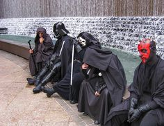 "Why can't we just get our Sith Together? This Rule of Two thing is CRAP!"" Sith Support Group : Here to lend someone else's severed helping Hand Funny Star Wars Pictures, Funny Meme Pictures, Funny Memes, Hilarious, Star Wars I, Star Wars Jokes, Cuadros Star Wars, Death Star, Love Stars"