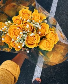 It is time you introduce some yellow aesthetic colors in your life! Everything from nail art ideas to room décor involving yellow hues is gathered here! Aesthetic Colors, Flower Aesthetic, Aesthetic Pictures, Aesthetic Yellow, Aesthetic Drawings, Plant Aesthetic, Aesthetic Collage, Summer Aesthetic, Aesthetic Fashion