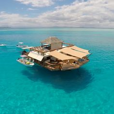 Cloud 9 Fiji – the Floating Bar in the Middle of the Ocean Floating Boat, Floating House, Floating Island, British Airways, Cloud 9 Fiji, Schwimmendes Boot, Auckland, Places To Travel, Places To Visit