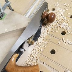 Cleaning up miters on panel moulding with the LN 62 low angle jack plane. Leaves lovely little shell like shavings. Panel Moulding, Low Angle, Clean Up, Angles, Shaving, Plane, Shells, Leaves, Shelled