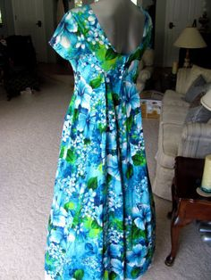 Lovely-Vtg-UI-MAIKAI-Hawaiian-Barkcloth-Dress-Tiki-Luau-Wedding-Festival-Party