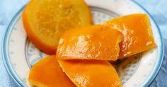 Oranges confites Quand je vois les oranges confites , je sens tout de suite Noël qui approche et la promesse de mille gâteaux, mignard...