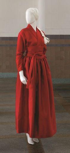 생활한복 Oriental Fashion, Asian Fashion, Hijab Fashion, Korean Traditional Dress, Traditional Dresses, Korean Dress, Korean Outfits, Mode Kimono, Modern Hanbok