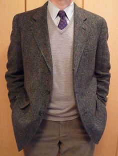 heavytweedjacket:    When it's cold, tweed jackets & sweaters are a classic combination. More over at HTJ.