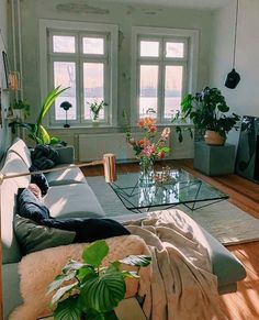 Home Design, Interior Design, Interior Decorating, Decorating Ideas, Design Ideas, Casas Containers, Aesthetic Bedroom, Dream Apartment, Apartment Layout