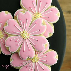 Custom Decorated Flower Cookies - AngelicaMadeMeYou can find Flower cookies and more on our website. Cookies Cupcake, Flower Sugar Cookies, Sugar Cookie Royal Icing, Mother's Day Cookies, Iced Sugar Cookies, Cookie Frosting, Cookies Et Biscuits, Blossom Cookies, Cookie Favors