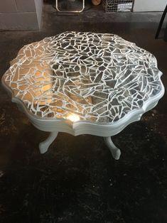Mirror mosaic conversation table Home décor ideas Broken Mirror Projects, Broken Mirror Art, Broken Glass Art, Mirror Mosaic, Mosaic Diy, Mosaic Crafts, Mosaic Glass, Mosaic Projects, Furniture Makeover